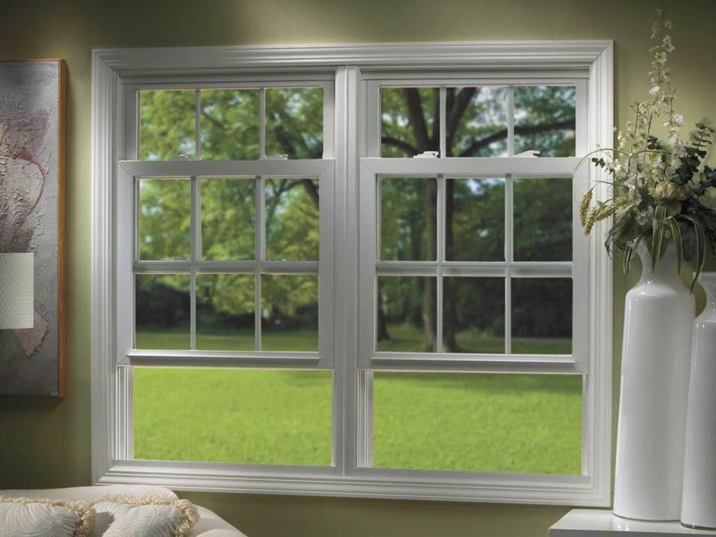 finestra saliscendi alzata
