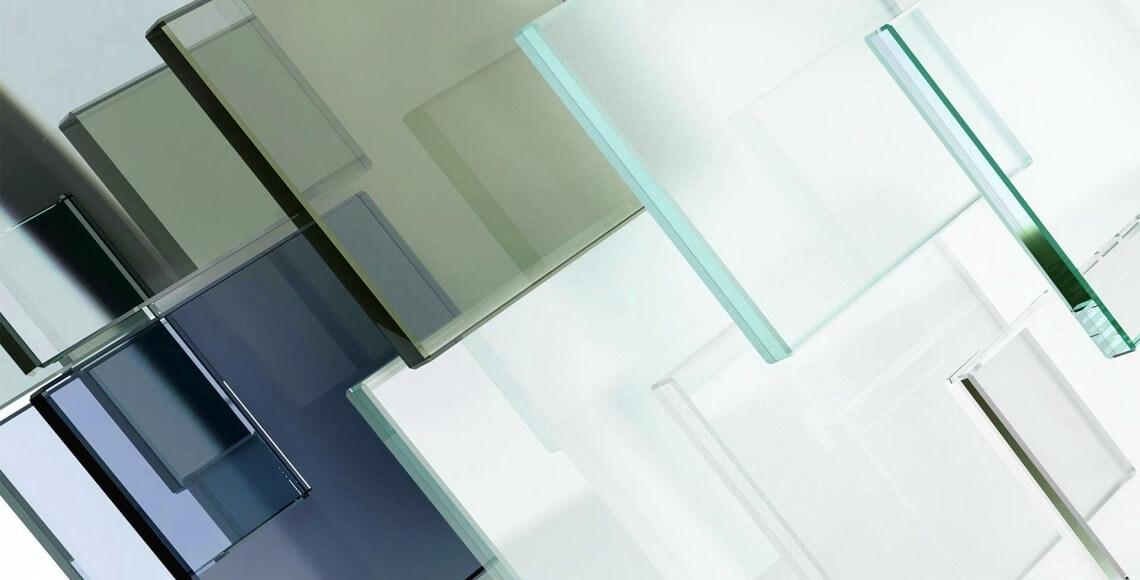 diversi tipi di vetri per infissi tutti insieme