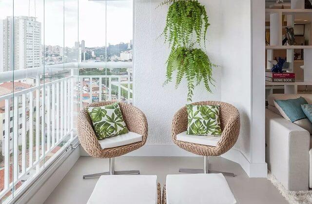 esempio di spazio ricavato su balcone chiuso a veranda