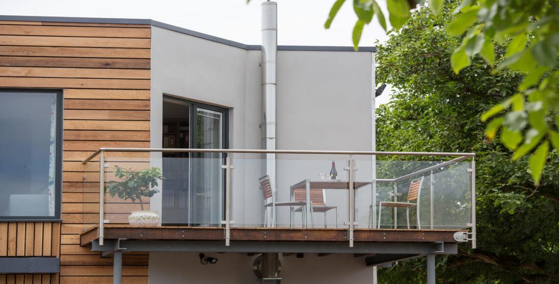 terrazzo con parapetti alluminio vetro