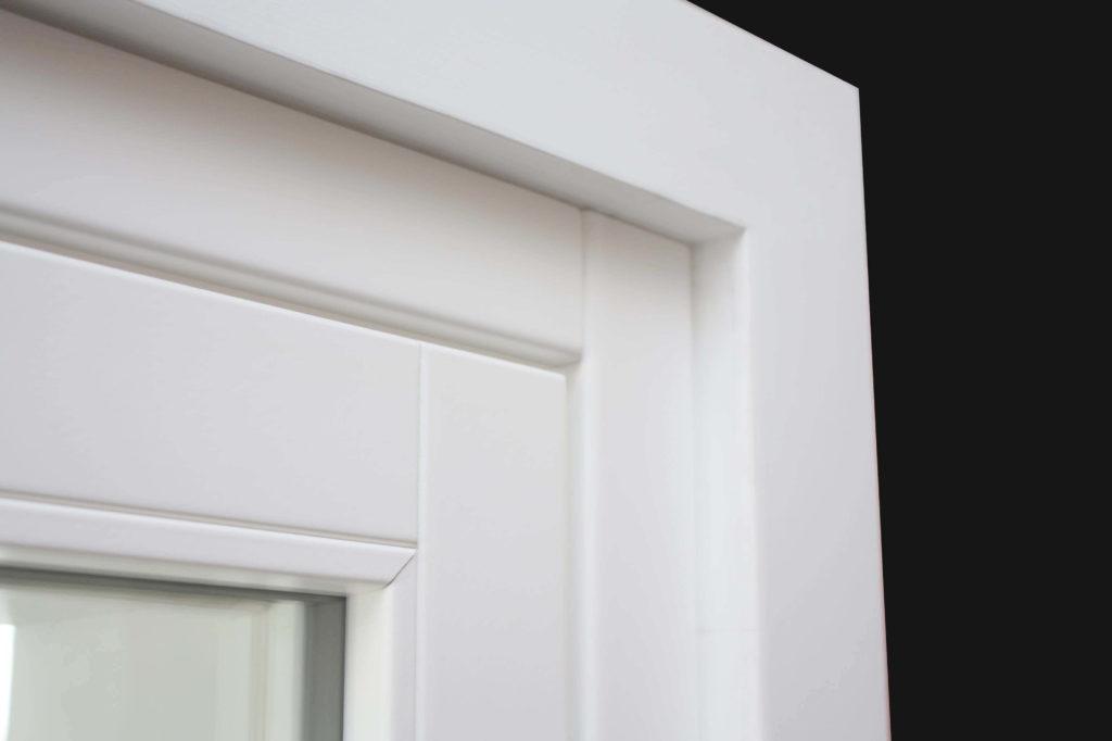 finestra coprifilo bianco