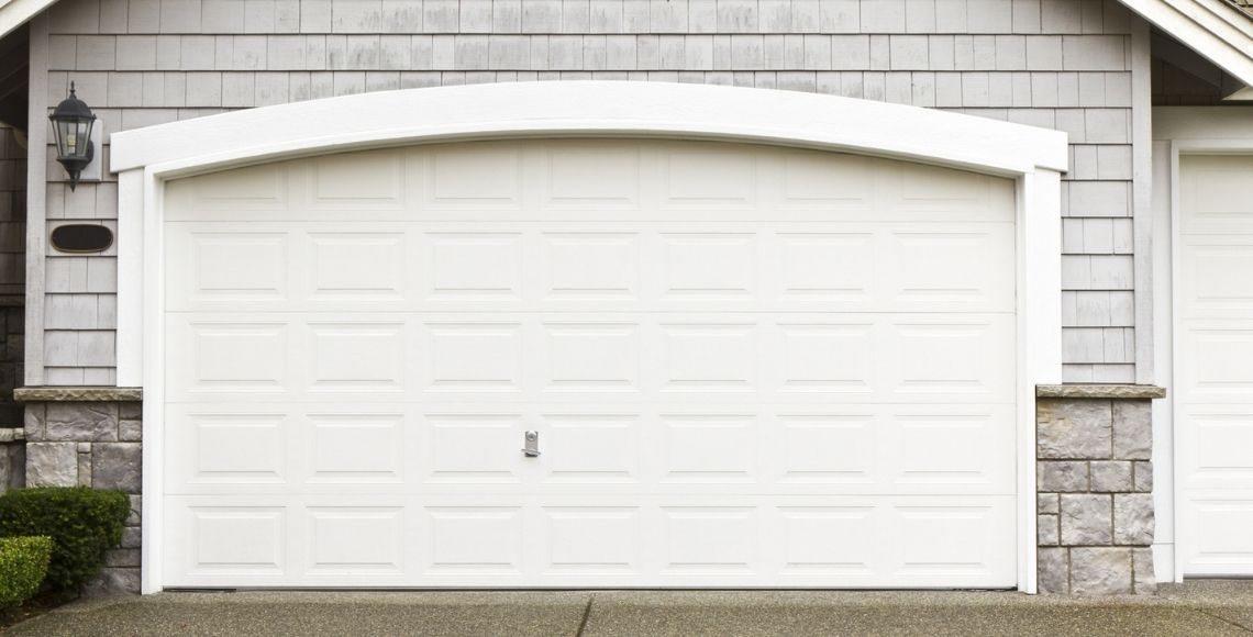 come effettuare manutenzione porta basculante garage
